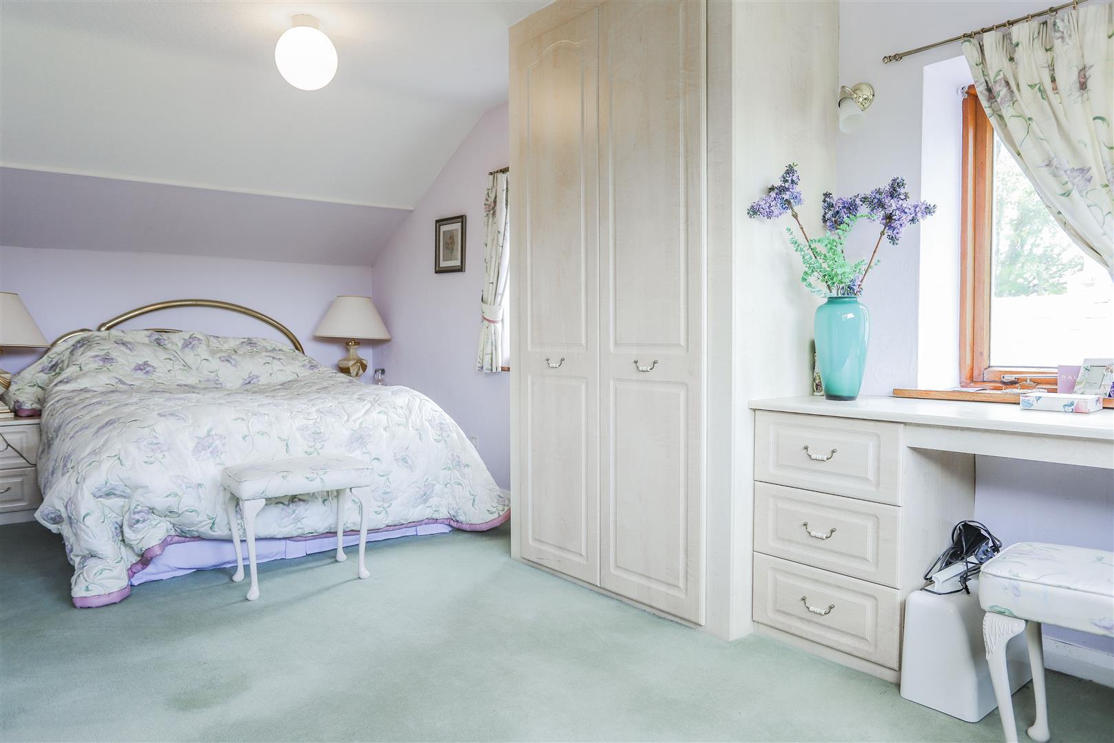 5 Bedroom Farmhouse For Sale - 18.JPG